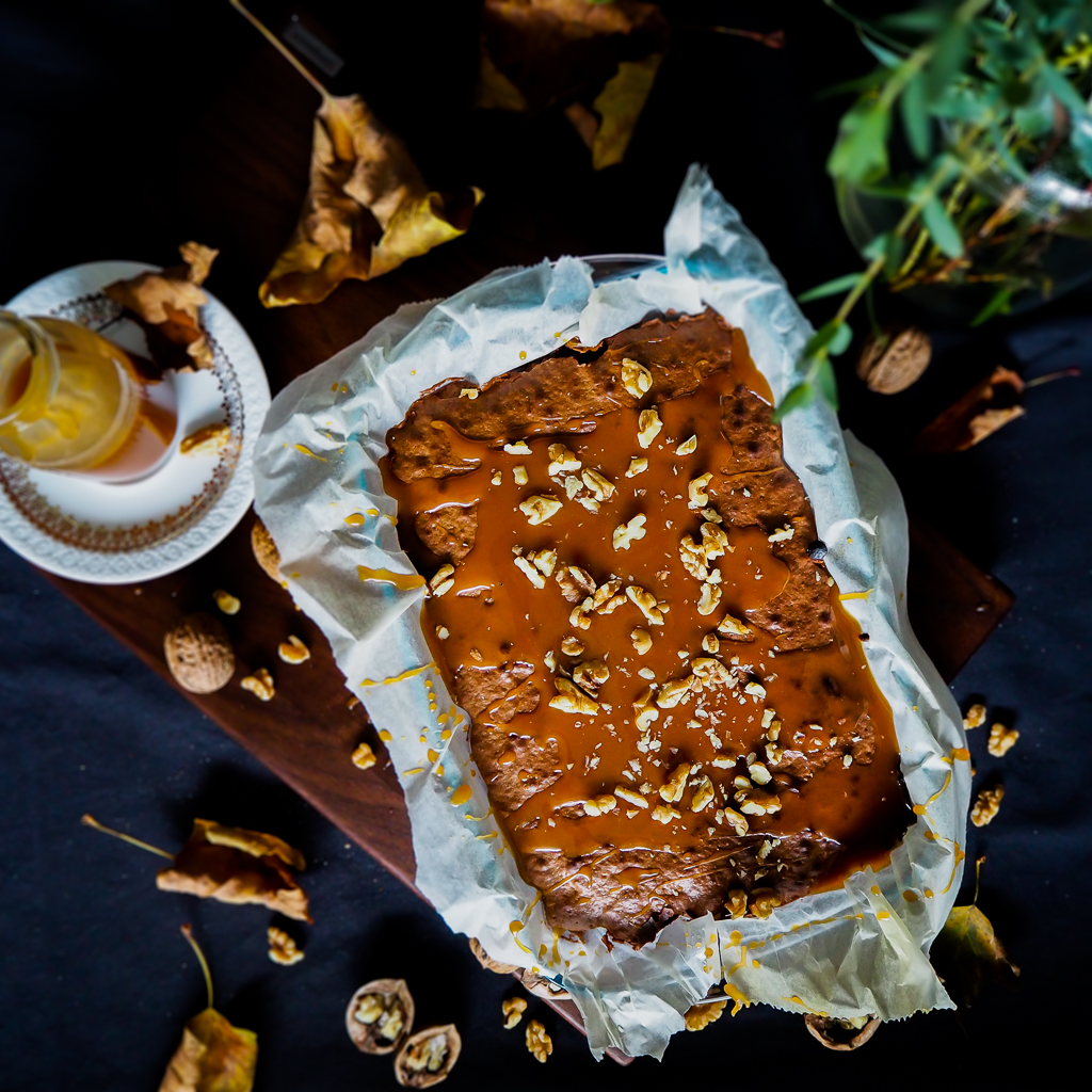 Walnuss-Brownies mit Salted Caramel Topping
